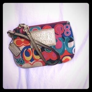 Small wristlet slightly used